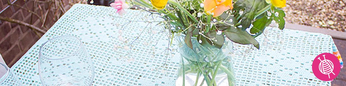 Tischdecke mit Blumen häkeln