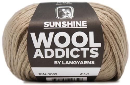 Wooladdicts Peach Puff Strickjacke Strickpaket 5 Camel