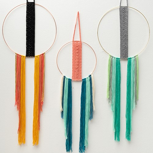 Yarn and Colors Must-Have Boho Wall Hanging Booklet