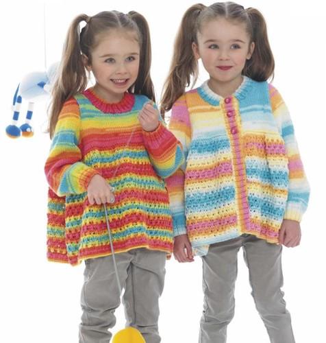 Strickanleitung Stylecraft Wondersoft Merry Go Round DK No. 8969 Mädchen Jacke und Pullover