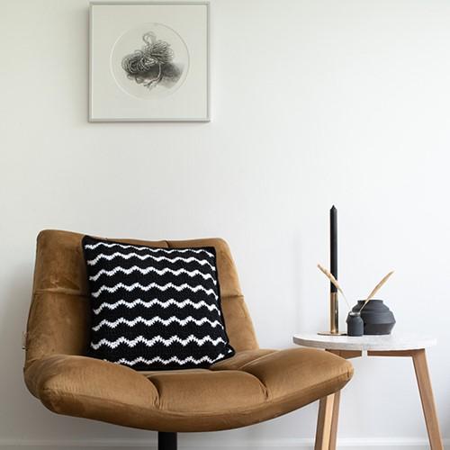 Yarn and Colors Waves Comfy Cushion Häkelpaket White / Black