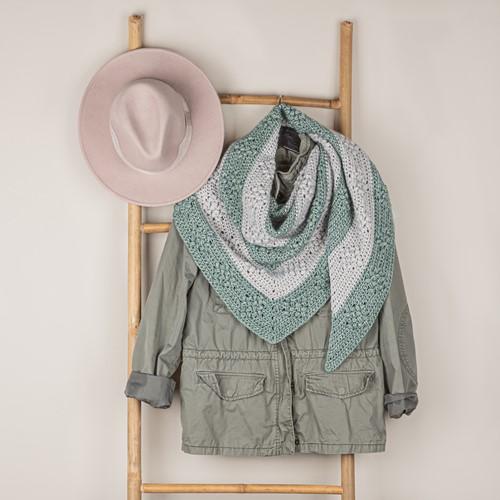 Häkelanleitung Yarn and Colors Diamond Bobble Shawl