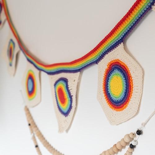 Yarn and Colors Rainbow Flag Line Häkelpaket 1 Colorful