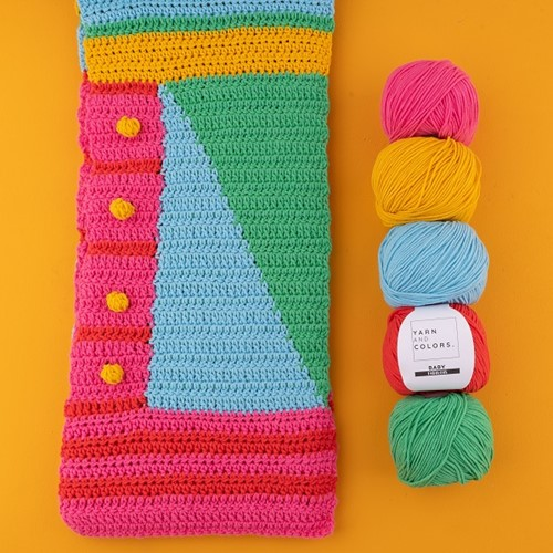 Yarn and Colors Graphic Scarf Häkelpaket 1 Nordic Blue