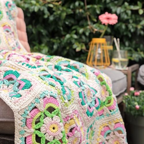 Häkelanleitung Yarn and Colors Garden Party Blanket