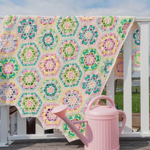 Yarn and Colors Garden Party Blanket Häkelpaket