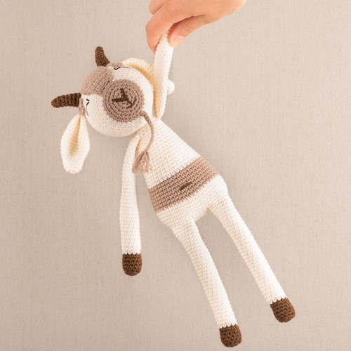 Yarn and Colors Gus Goat Häkelpaket 002 Cream
