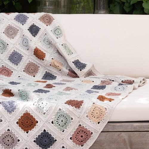 Yarn and Colors Hip To Be Square Blanket Häkelpaket 080 Eucalyptus