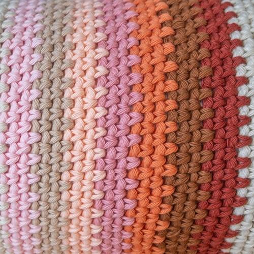 Yarn and Colors Rainbow Roll Häkelpaket 3 Satay