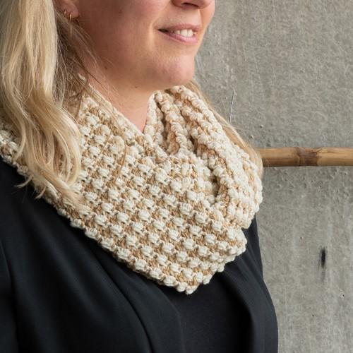 Yarn and Colors Pebbles Cowl Häkelpaket 009 Limestone