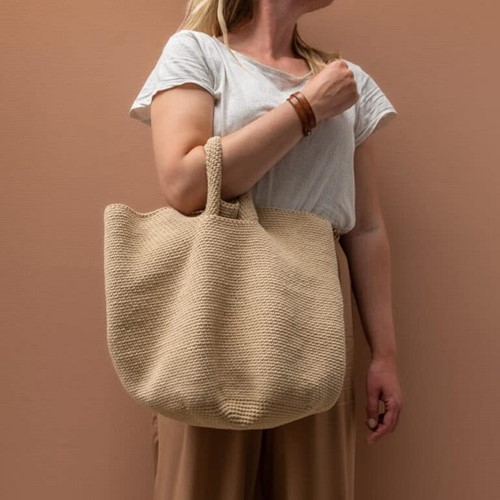 Yarn and Colors Slouchy Pouch Häkelpaket 1 Limestone
