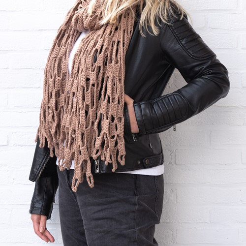 Yarn and Colors Slouchy Stripes Shawl Häkelpaket 006 Taupe