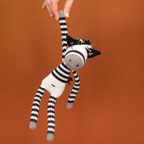 Yarn and Colors Zapp Zebra Häkelpaket